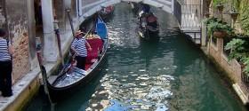 venezia-gondole-canal2